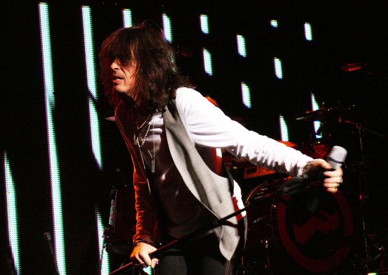 Kelly Hansen of Foreigner at Rialto Theatre, Tucson Ariz., 4/29/11. photo: Jamie Manser